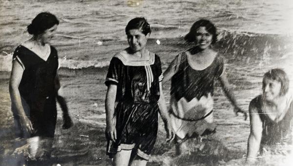 """Imatge de l'exposició """"Quan l'estiu era en blanc i negre"""""""
