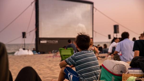 Cinema lliure a la platja 2018 (imatge d'arxiu)