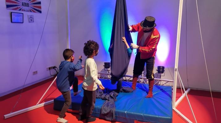 Exposició bombo al circ