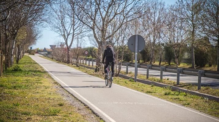 Carril bici i carril de running de la platja