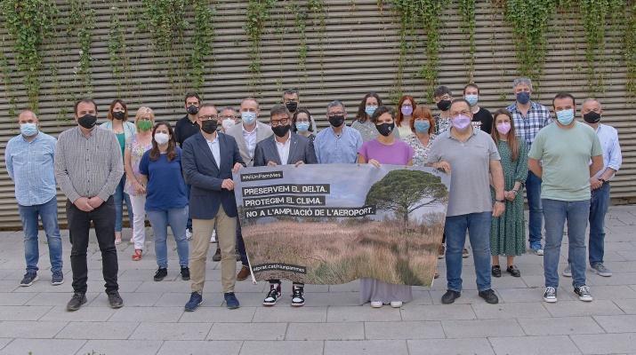 Foto grups municipals contra ampliacio aeroport