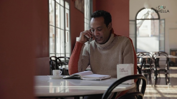 A cau d'orella - la trucada de Hassan Hafidi