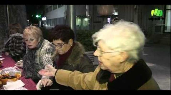 La plaça de la Vila llueix el pessebre de la gent gran