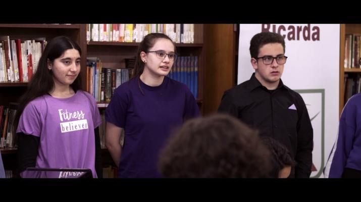 Joves de l'institut Estany de la Ricarda: reflexions d'un confinament. Connexions 2020-21.
