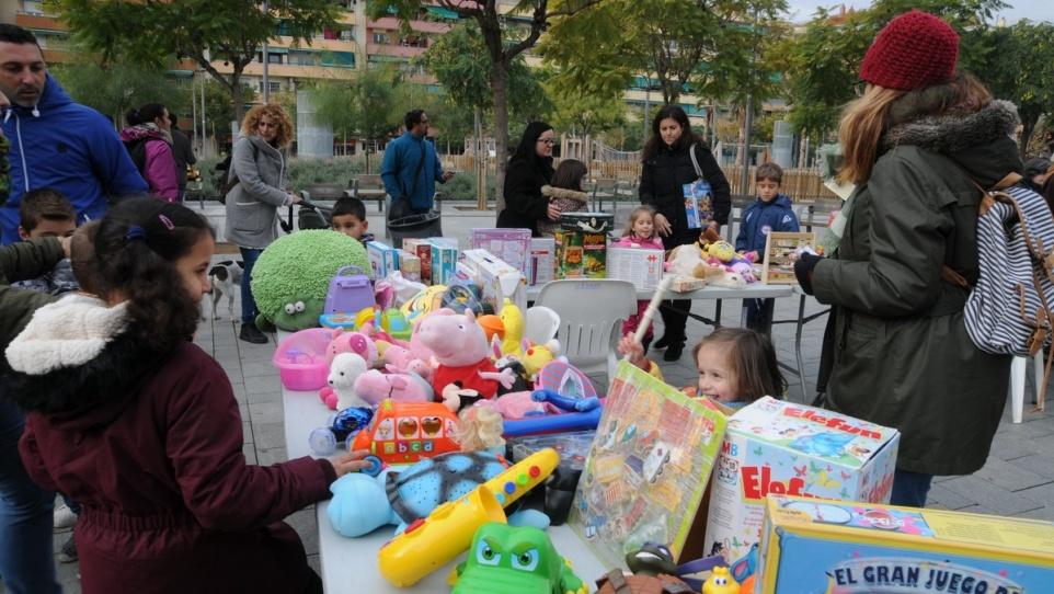 mercat intercanvi joguines.jpg