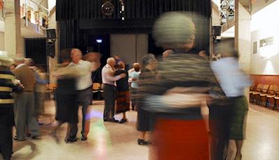 Balls amb música en directe