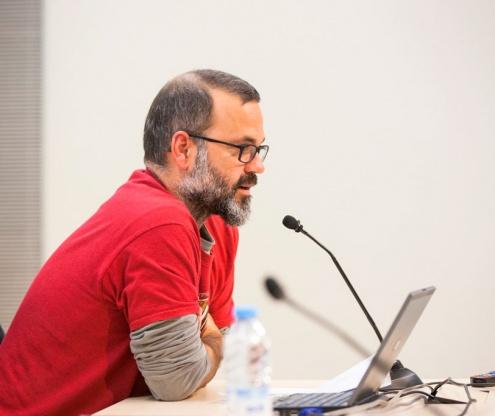 Gibert, durant la presentació del seu llibre a la biblioteca Antonio Martín.