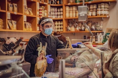 Prat coronavirus comerç mesures protecció
