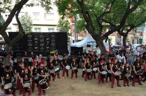 El grup pratenc durant la seva actuació a Barcelona.