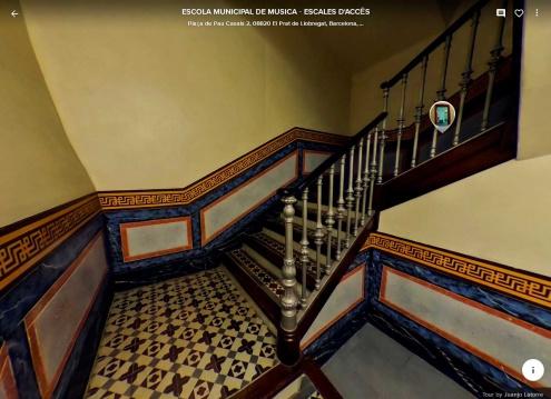 """Visita virtual a l'Escola Municipal de Música, """"pujant"""" les escales."""