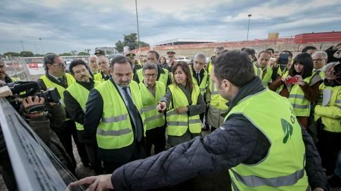Ministre de Foment, directora d'ADIF i alcalde del Prat a l'aeroport