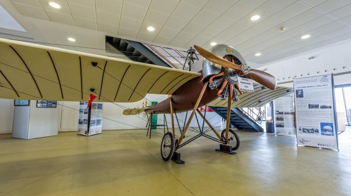 Avió Monocoque, al Centre Cultural Aeronàutic