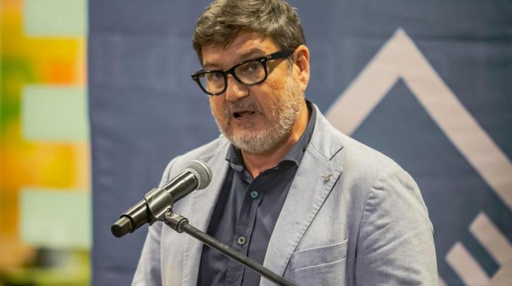 L'alcalde del Prat, Lluís Mijoler, durant l'acte institucional a la ciutat amb motiu de la Diada Nacional de Catalunya.