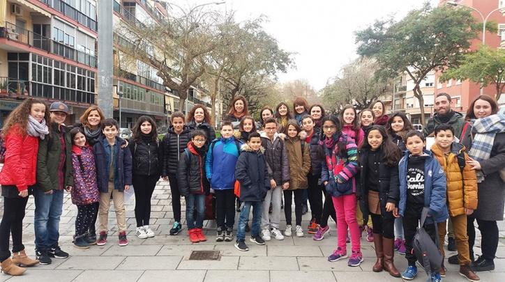 Alumnes i docents del Prat que van participar a la trobada.