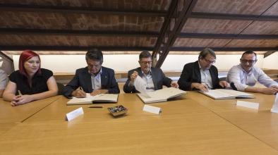 Acord entre l'Ajuntament i dues organitzacions empresarials per l'ocupació de qualitat