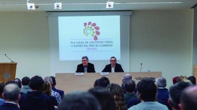 L'alcalde i el regidor d'esports a la presentació del Pla Local de l'activitat física i l'esport