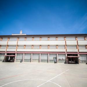 Façana d'un dels centres educatius del Prat