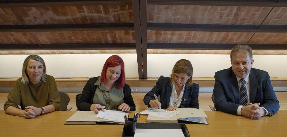"""Signatura del conveni per formar part del Node Film Clúster Costa Barcelona i promoure rodatges a través de """"El Prat Film Office"""""""