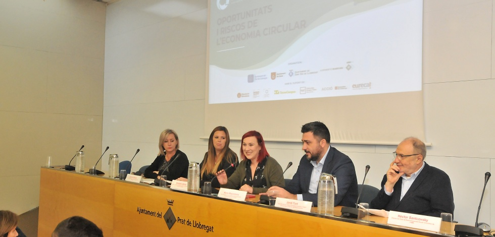 """Inauguració de la jornada """"Oportunitats i riscos de l'economia circular"""" del projecte Ecoindústria"""