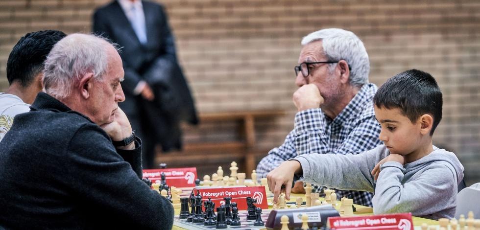 Partida d'escacs durant la primera jornada del torneig internacional Open Chess